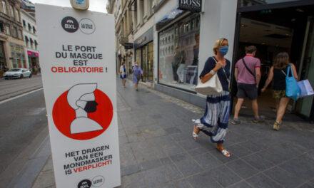 Brukseli bën të detyrueshme maskën dhe në vendet e hapura