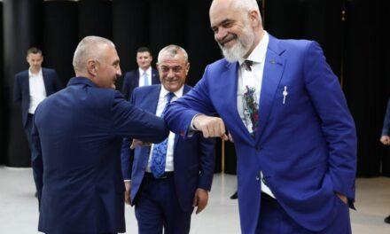 """""""Mëso Ilir se s'të ka borxh Shqipëria"""", Rama reagon ndaj Metës për situatën në Kakavijë"""