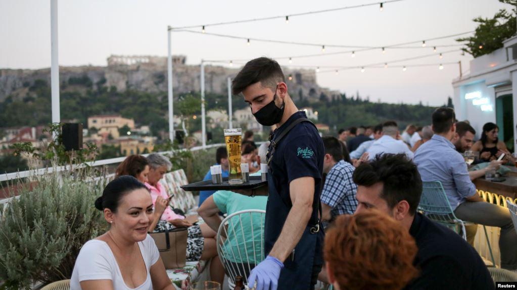 Greqia, përballë rritjes dramatike të rasteve me COVID-19