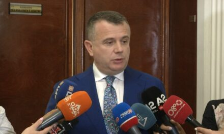 Arbitrazhi për rrugën Elbasan-Tiranë, Balla: Portali i djalit të Saliut dhe PD do përballen në gjykatë