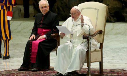 Papa Francesku: Kësaj zonje me emrin Covid duhet t'i bindemi