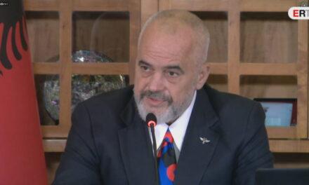 """""""Një çetë karagjozësh"""", Rama: Neveri për akuzat e opozitës, vetëvrasjet nxiten nga Covid"""