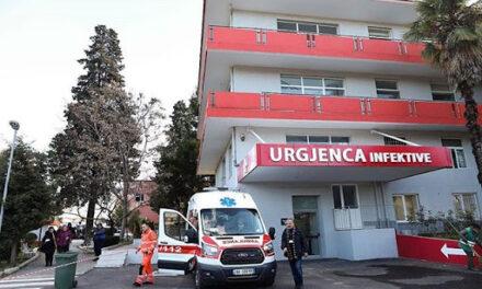 Arrestohet infermierja e Infektivit, akuzohet për vjedhjen e portofolit të pacientit