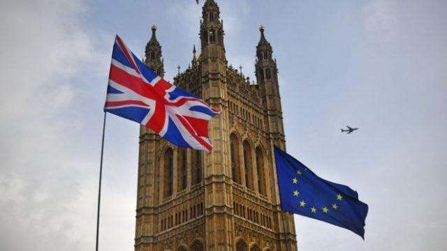 Pas Brexitit, shumë kompani largohen nga Britania