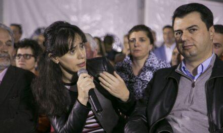 Bashkëshortja e Bashës, replika me komentuesin: Ai ka fituar beteja pafund