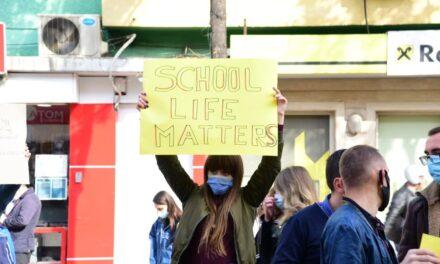 Premtimet e qeverisë për arsimin dhe rininë mbetën në letër, vëren raporti
