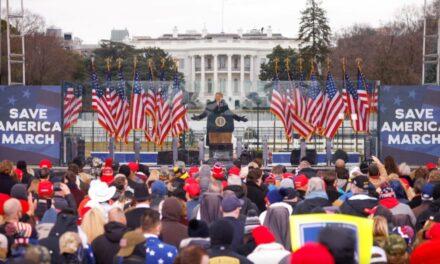 """Të akuzuarit për sulmin ndaj Kongresit """"tradhtojnë"""" Trump: Na shtyu ai të sulmonim"""
