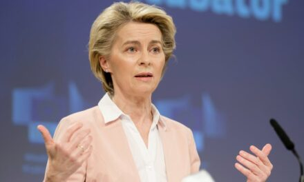 Optimizmi i Von der Leyen: 70% e europianëve do të vaksinohen brenda verës