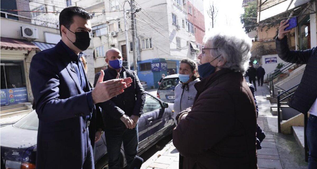 """""""Erdhi Pranvera, do ta shporrim atë kodosh njeriu"""", Basha takon qytetarët në Tiranë: Do ta fshijmë të keqen"""