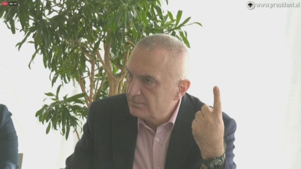 Rama thotë se Meta nuk është mirë nga trutë, Presidenti e sfidon me një ligj pas 25 prillit