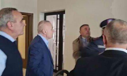 Përplasja tek zyrat e FRD, policia shpall dy persona në kërkim