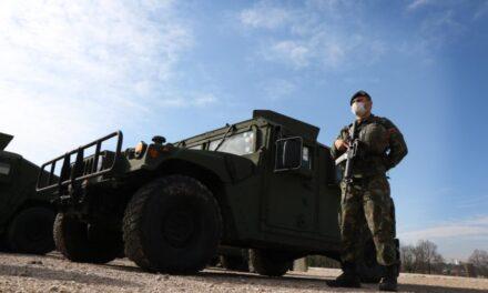 """Ushtria shqiptare """"blindohet"""" me 29 mjete, dhuratë nga Amerika"""