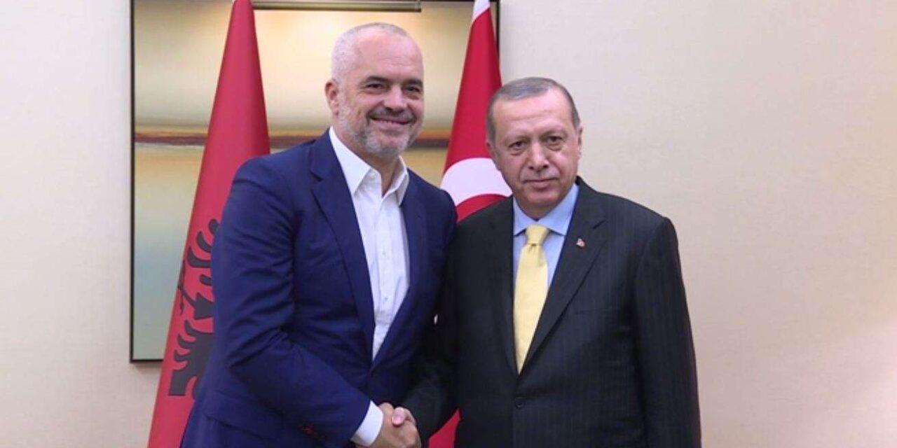 Qeveria shqiptare ka hyrë në negociata për zëvendësimin e kontrollorëve me punonjës të certifikuar nga Turqia
