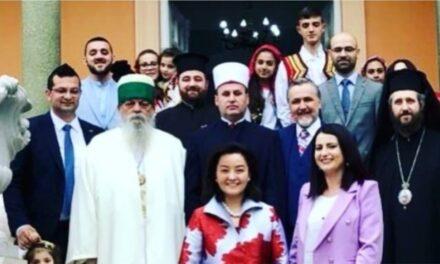 Kim: E gjithë bota duhet të mësojë nga harmonia fetare në Shqipëri