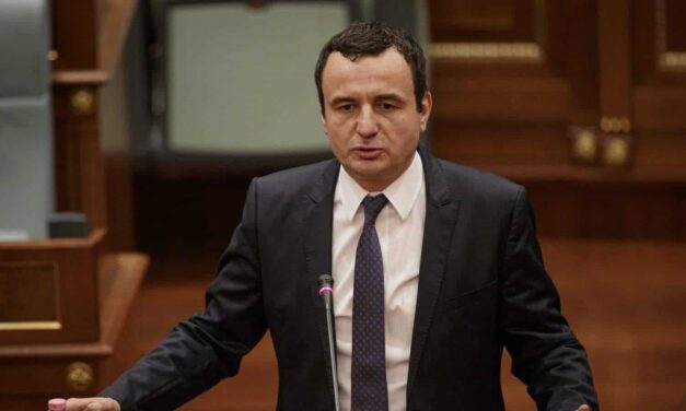 Kosova sërish në kaos? Kurti: Ose mbi 80 vota për Vjosa Osmanin, ose mbi 500 mijë vota për VV