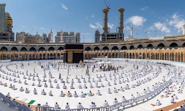 Pelegrinazhi në Mekë, këtë vit do të lejohen vetëm të vaksinuarit