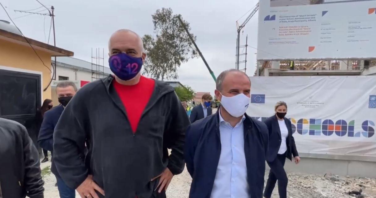 """""""Luigi mezi po përmbahet se humbi Juve"""", Rama batuta me ambasadorin Soreca"""