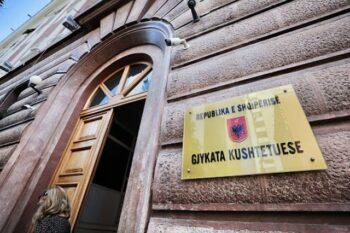 """Gjykata Kushtetuese shqyrton sot """"Teatrin""""/ Përfshihet si objekt hetimi vendimi i Këshillit të Bashkisë Tiranë"""