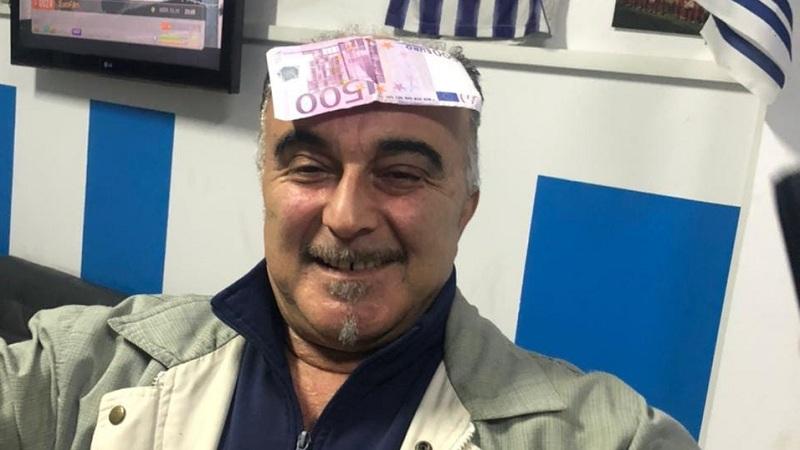 Votoi për shkarkimin e Metës, Blushi nxjerr fotografinë e deputetit me 500 euro në ballë: I siguroi pushimet edhe këtë vit