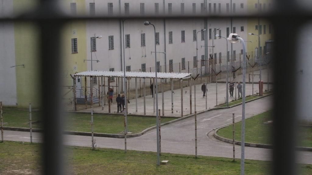 Masat antikoronavirus lehtësohen edhe në burgje