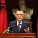Presidenti Meta dekreton tre ligje