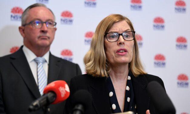 Këshillat e reja nga Australia: Mos i flisni askujt me gojë edhe nëse keni maskë apo jeni vaksinuar, qëndrojuni larg njerëzve