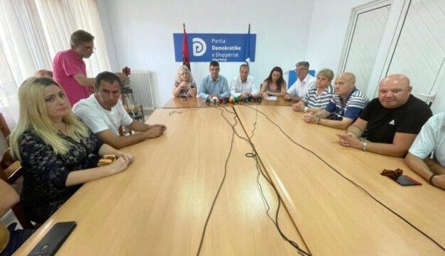 Dorëhiqen nga funksionet 13 anëtarë të PD Korçë: Po kthehet në parti klienteliste