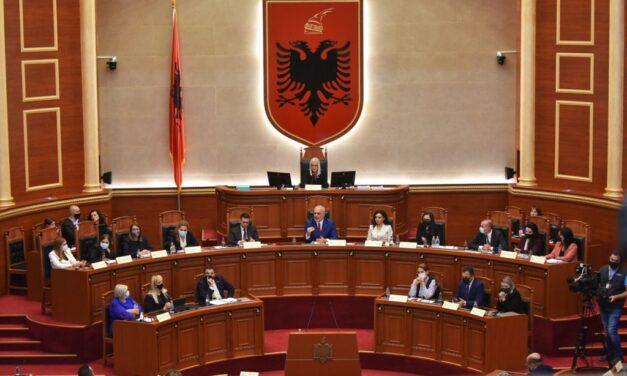 Partitë bien dakord, vaksina kundër COVID-19 e detyrueshme për deputetët