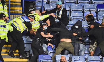 Skena dhune në Europa League, përleshen tifozët në sfidën Leicester-Napoli