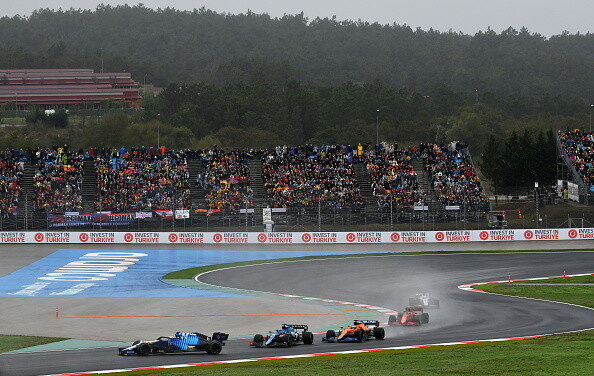 """Bottas triumfon në Çmimin e Madh të Turqisë në F1, """"mposht"""" edhe shiun"""