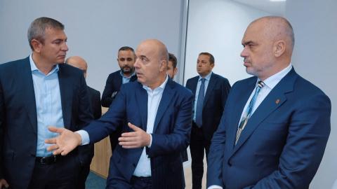 """""""Shtetari"""" dhe bletët punëtore na afruan skenarin libian për energjinë"""