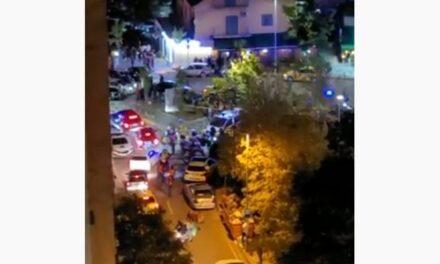 """Atentat me armë zjarri te """"Komuna e Parisit"""", në kulmin e ndeshjes Shqipëri-Poloni, plagoset 22-vjeçari"""