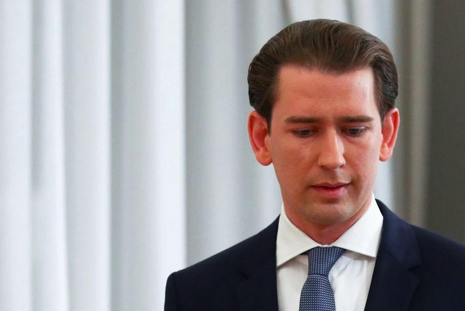 Kryeministri i Austrisë jep dorëheqjen pas akuzave për korrupsion